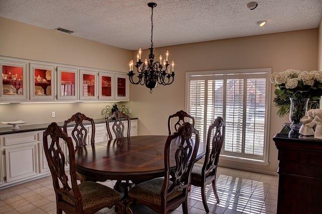 dining-room-469298_640 (1)